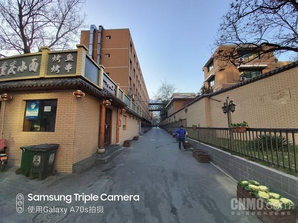 三星Galaxy A70s评测 6400万像素三摄充分释放诚意