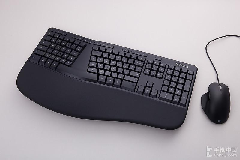 微软人体工学键鼠套装图赏:提升生产力从未如此舒适