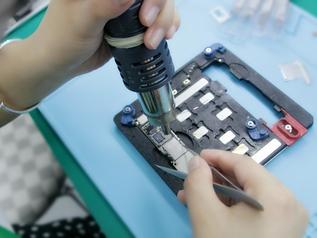 手机主板维修实操教学,主板小元件如何拆装