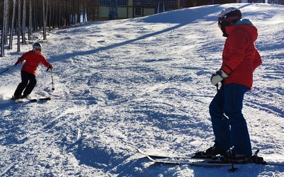 """越快越自由 這次我們用手機去""""飛攝""""一回自由滑雪"""