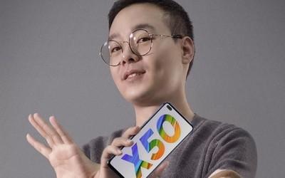 """官方公布realme真我X50 5G正面照 """"药丸""""式挖孔实锤"""