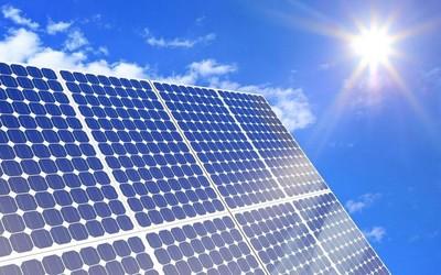 """科学家发明""""反太阳能电池板"""" 可以在黑暗中产生电能"""