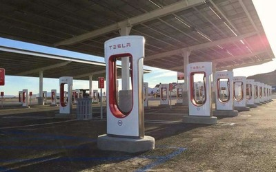 美国议员提出新法案 将EV充电站列为美国基础设施