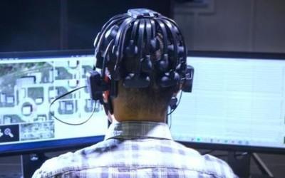 研发军用人工智能机器人新思路:模拟游戏玩家脑电波