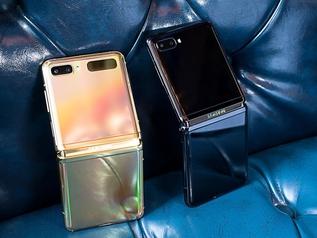 """三星Z Flip折叠屏 能""""弯""""能""""折""""的化妆盒手机你∞见过没"""