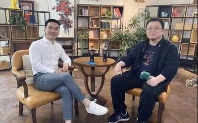 罗永浩将分享一加8系列上手体验 与刘作虎合照流出