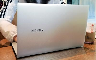 荣耀MagicBook Pro告诉你 16.1英寸屏与便携可以兼得