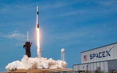 SpaceX获NASA批准 可用回收火箭和龙飞船运载宇航员