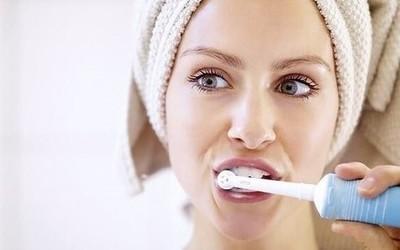 618电动牙刷选购指南:声波式和机械式选哪个好?