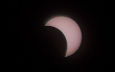 日食观测指南:其实用一部手机也能轻松记录天文奇观