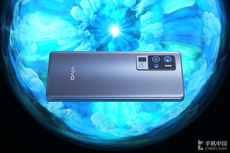 "vivo X50 Pro+图赏:万有""引力""下的艺术与科技"