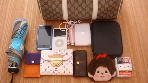 女生包包里的手机(六)