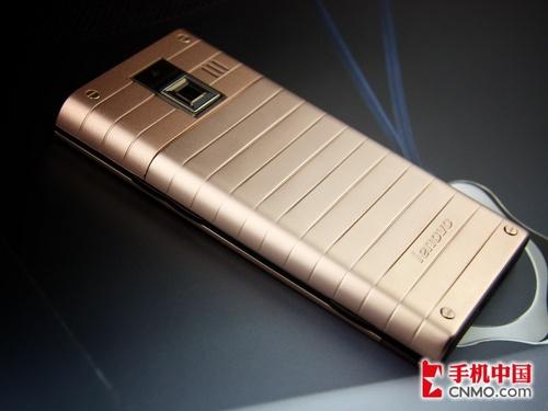 奢华外形超炫UI 大屏触控联想P717评测