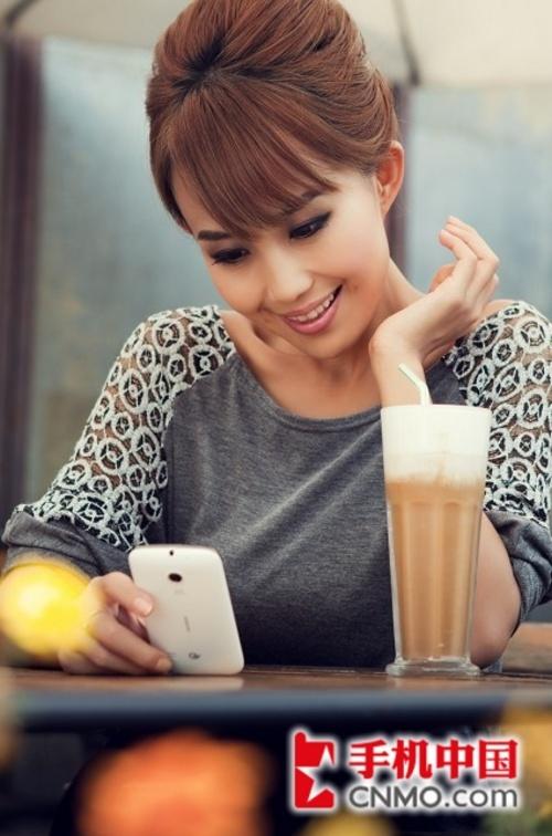 可爱甜心魏小来 选手机外形决定一切
