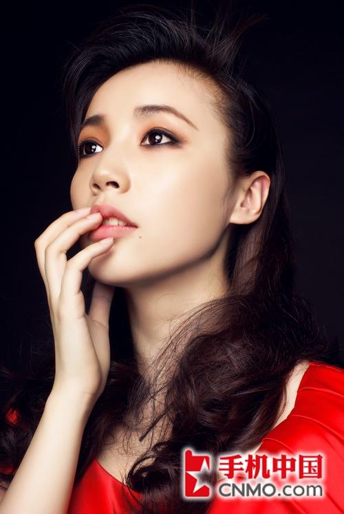 独唱演员世姐佳丽吴娅菲 诺粉变果粉