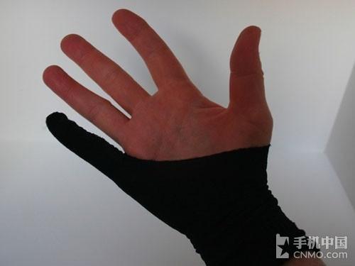 """【图】文章图片牛人用短袜diy制作ipad绘画""""手套"""""""