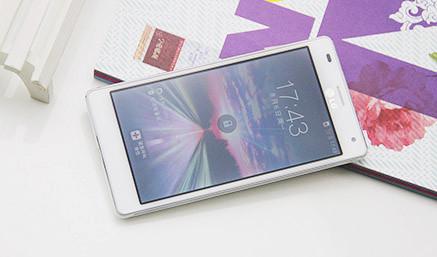 1.5GHz四核美型旗舰 白色LG P880图集