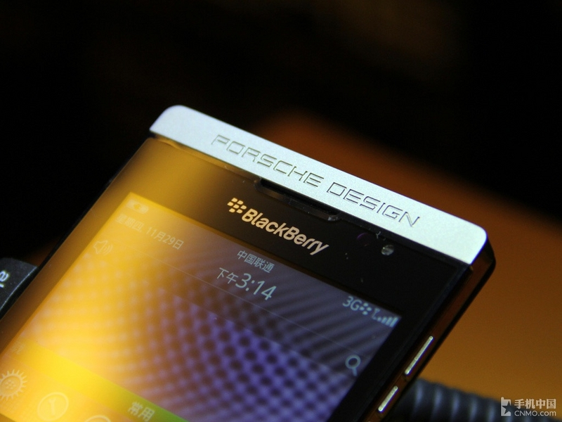 手机 长沙/尊贵保时捷设计黑莓P'9981在中国发布(1/5)