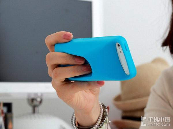 2013-02-15胖墩墩小可爱变形体 手机壳也得敦实 这款来自韩国名叫