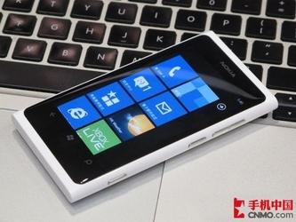 超低价WP7智能机 诺基亚Lumia 800热卖
