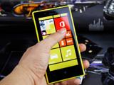 超大光圈高续航时尚WP8 Lumia 720评测