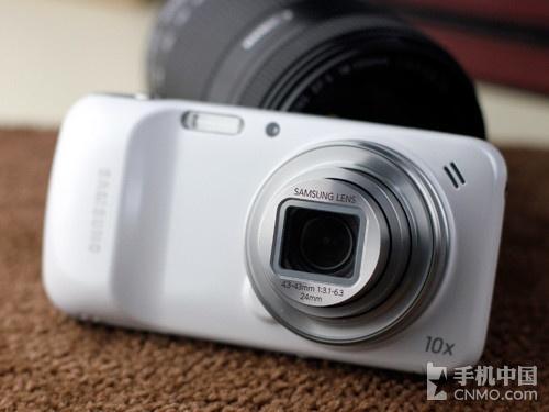 10倍光变镜头 Galaxy S4 ZOOM上市首投降