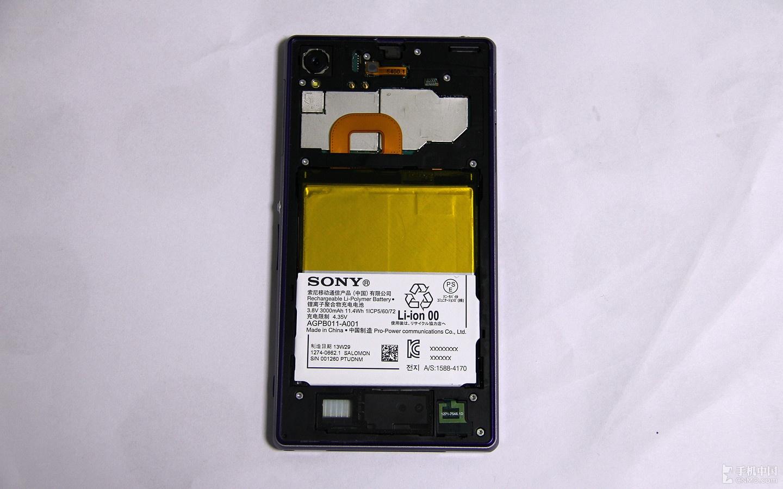 做工扎实还原较难 索尼Xperia Z1拆解