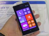 金属轻薄机身夜拍强机 Lumia 925速评