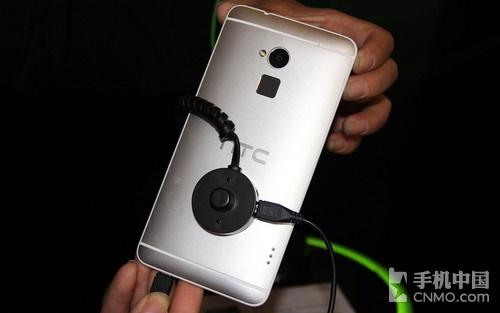 5.9英寸巨屏四核 HTC One max现场体验